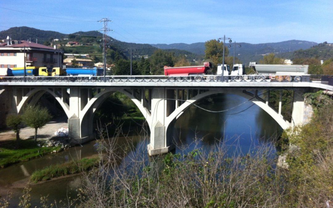 Completion of works of a bridge in Sant Quirze de Besora