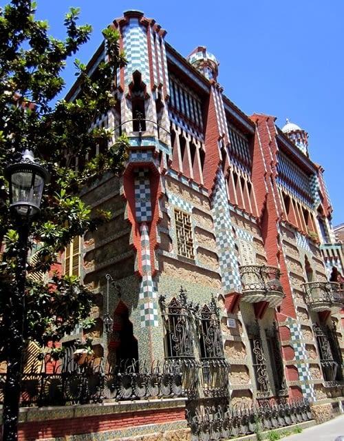 Inicio de las obras de rehabilitación de la Casa Vicens