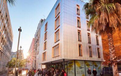 El plan de alojamientos de proximidad provisional (APROP) en Barcelona sigue en marcha para luchar contra la gentrificación
